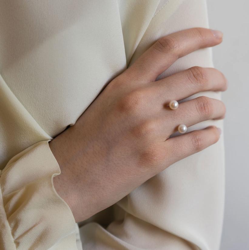 two-pearls-2.jpg