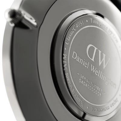dw_classic_40s_closeup_back_4.jpg